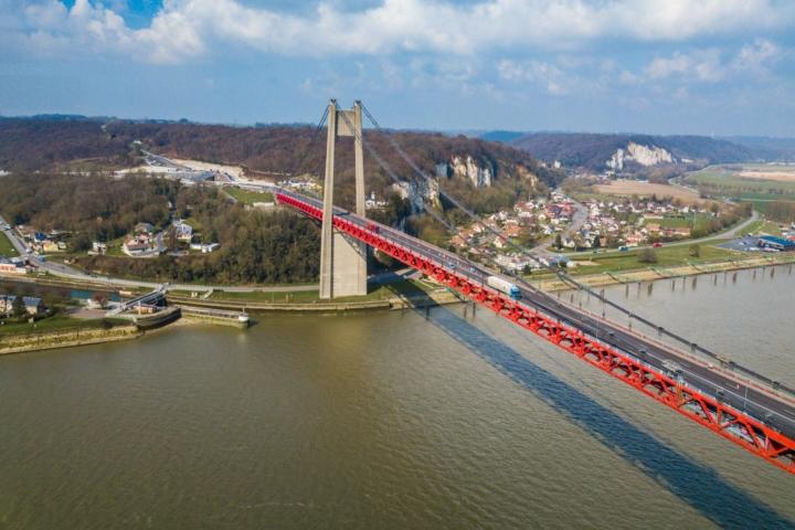 Industrials, pont de tancarville, normandie, France, bridge, cliffs, falaises normandie